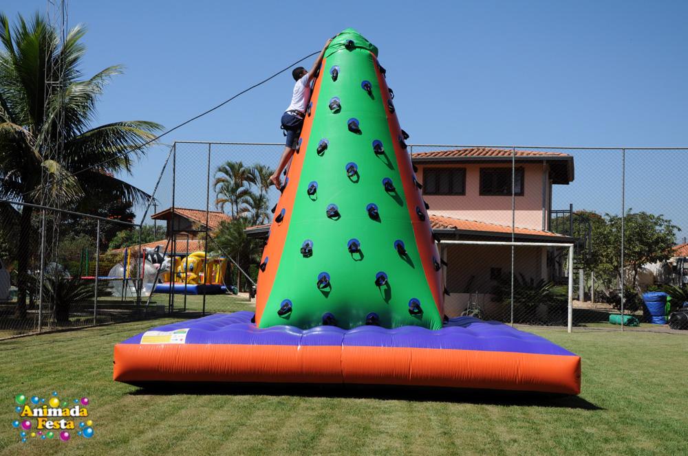 animada-festa-montanha-alpinismo-4